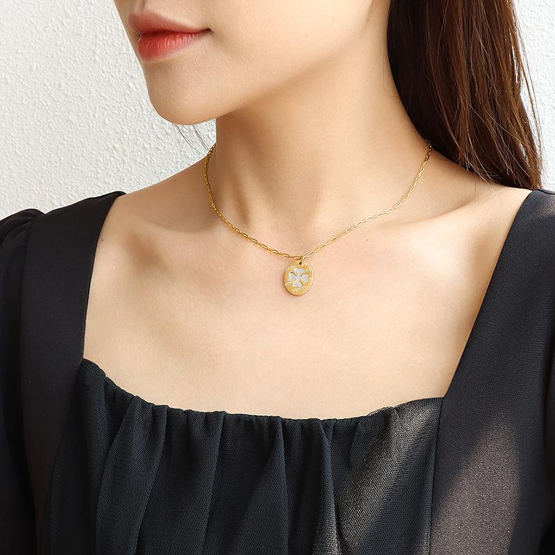 collar de conchas de mar blanco ovalado de flores de moda NHOK317146