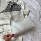 NHRU1517670-white