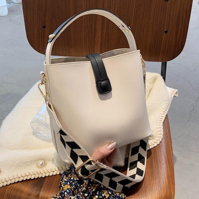 nueva bolsa de axilas con textura de moda NHJZ337584