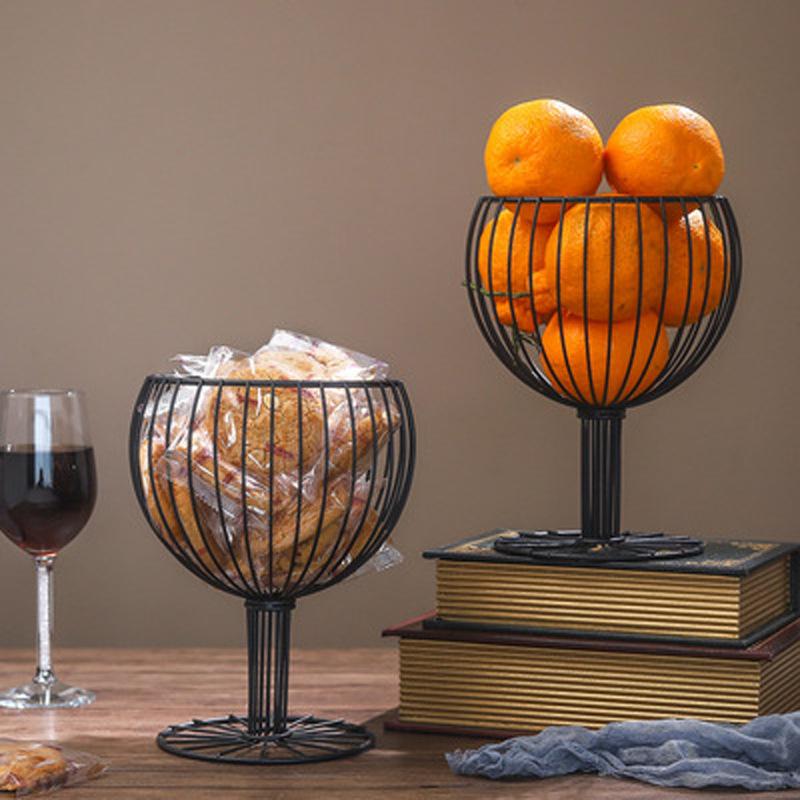 Al por mayor canasta de frutas hueca de hierro forjado en forma de copa de vino  NHAW390361