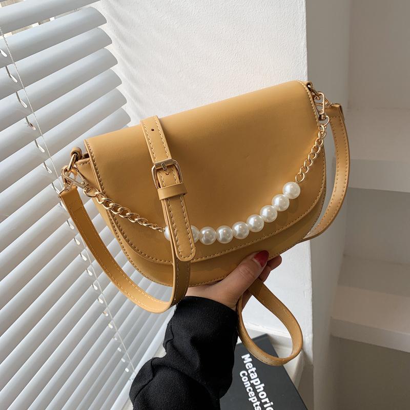 Al por mayor bolso pequeño de mensajero de hombro con cadena de perlas de color sólido  NHLH390469