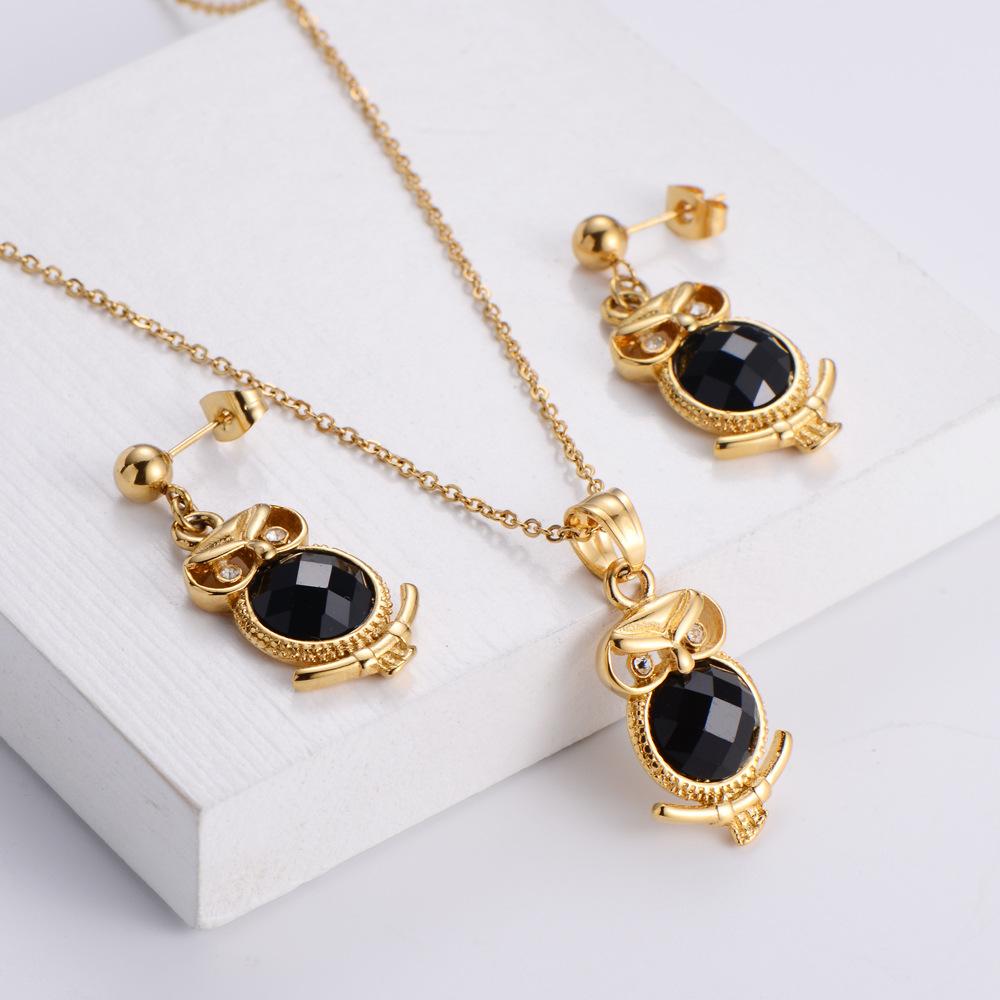 Conjunto de pendientes de collar colgante de elemento animal de diamante negro al por mayor  NHON391977