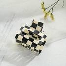 NHQIY1818340-5cm-small-square-hair-grab-Acrylic-material