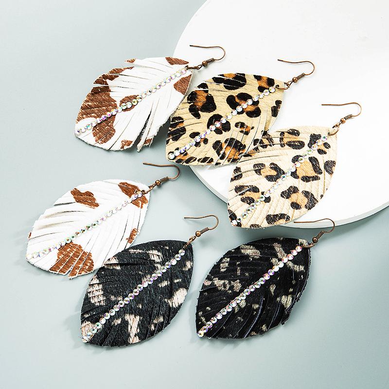 wholesale Pendientes en forma de hoja de leopardo con estampado de cuero de Bohemia  NHLN392948