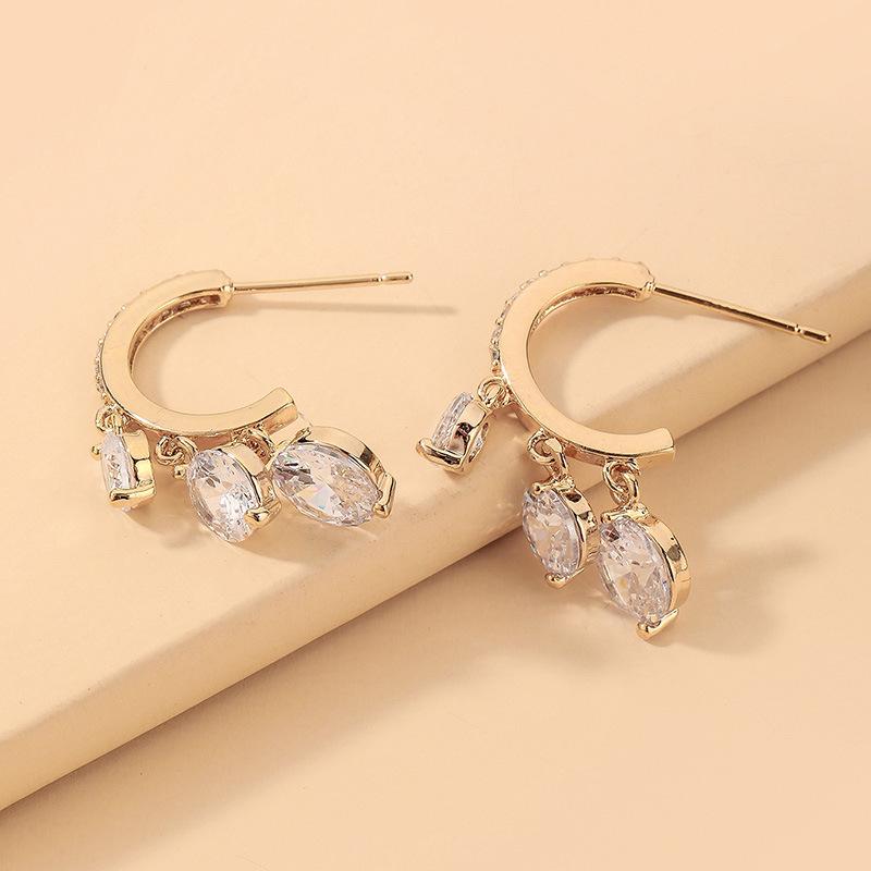 wholesale pendientes de diamantes de imitación retro en forma de C  NHNJ393035