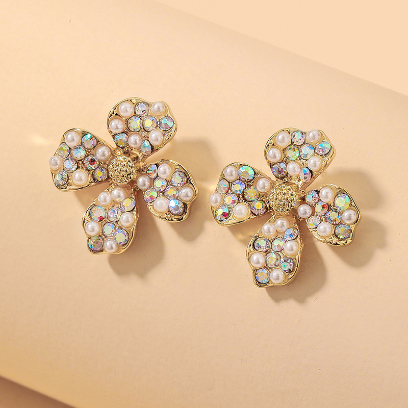 wholesale aretes de flores de diamantes de imitación con incrustaciones de perlas de colores  NHNJ393604