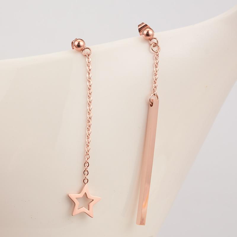 wholesale Pendientes largos de acero de titanio con colgante de estrella hueca simple  NHAB393668