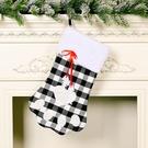 NHHB1837183-Dog-paw-plaid-socks-black-and-white