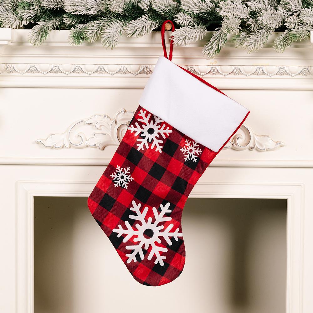 Copo de nieve de Navidad al por mayor rojo negro calcetines de tela escocesa decoración  NHHB394496