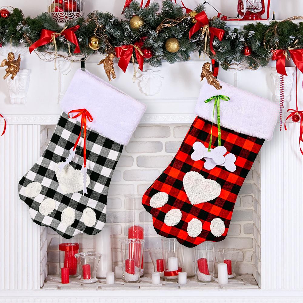 Venta al por mayor de Navidad rojo y negro Plaid Dog Paw Calcetines Decoración  NHHB394503
