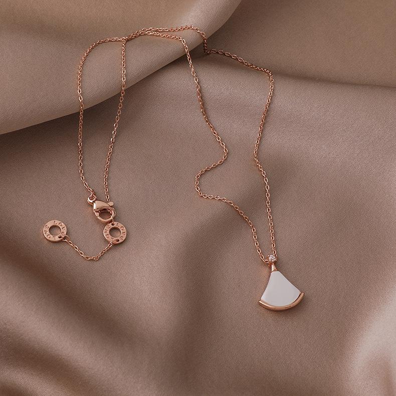 moda falda pequeña concha collar de cobre de nácar blanco al por mayor  NHMS395717